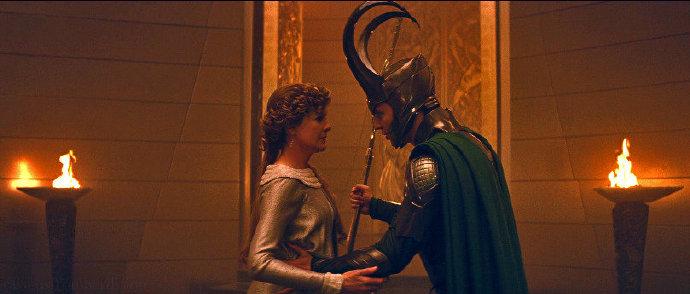 洛基在《雷神2:黑暗世界》被删减一幕中有表明,其魔法导师正是养母Frigga-美剧品鉴社