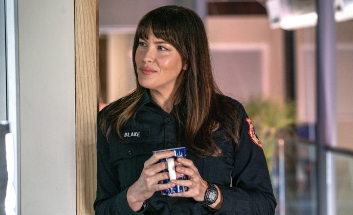 Liv Tyler离开《紧急呼救:孤星》,不再出演第二季,但未来仍可能回归-美剧品鉴社