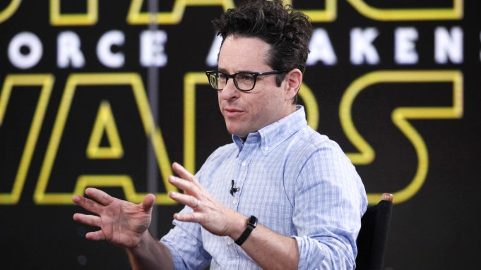 HBO Max宣布预订J.J. Abrams负责的一部原创剧《随时调整》,由《看见》的Jennifer Yale担任制作人-美剧品鉴社