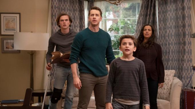 Netflix宣布续订被NBC砍掉的《命运航班》第四季,也是最终季-美剧品鉴社